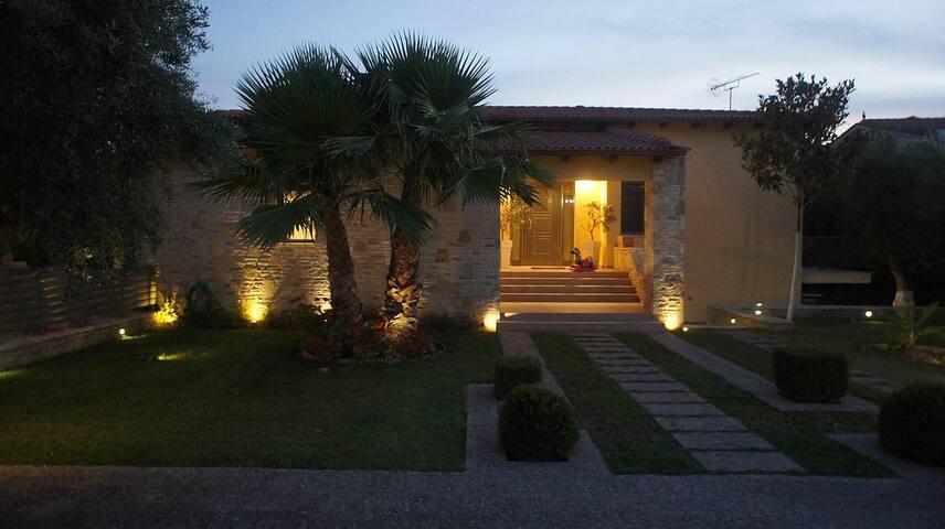 Paralia Patras - Villa Elia