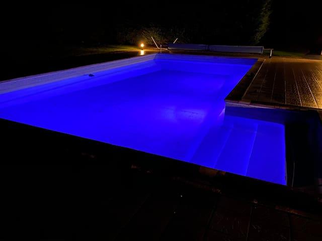 Villa de caractère piscine sauna billard chevaux