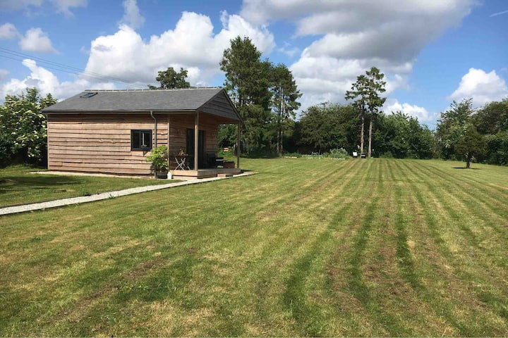 Stylish Timber Lodge set within 0.75 acre garden