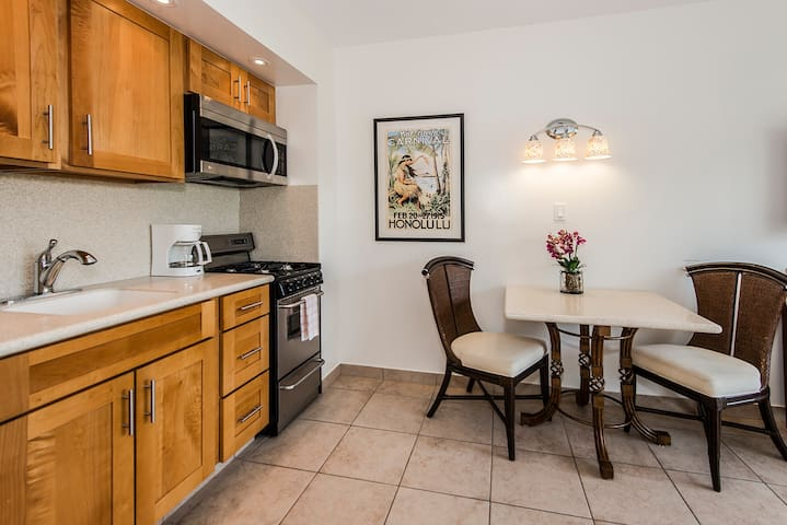 Fully Equipped Kitchen With Dining Table For 2