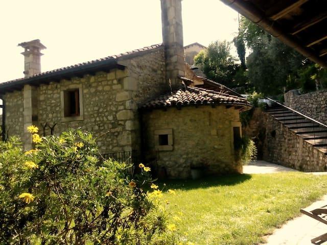 Al  Mulino risale  fine 500' - Osigo - House
