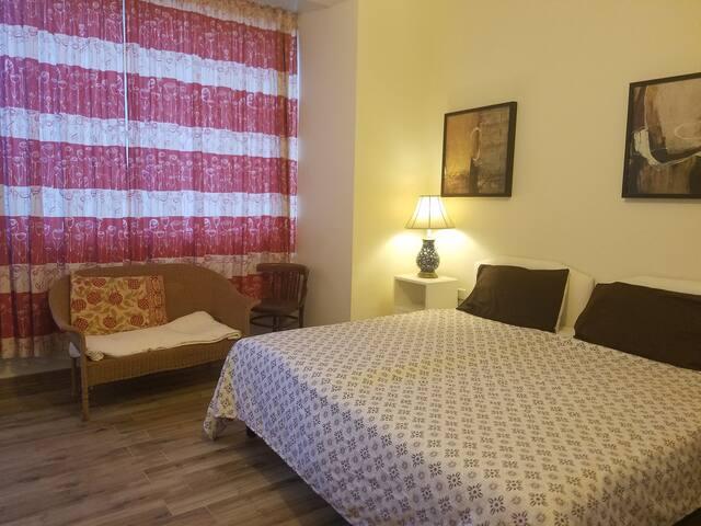 Double bedroom Maltese Style close to Valletta.