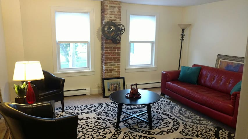 Apartment in Downtown Milford - Milford - Byt