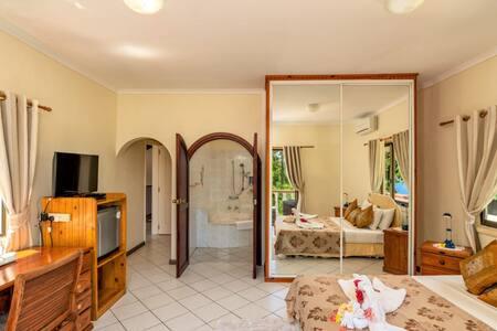 Carana Hilltop Villa (Large Superior - 15% OFF)