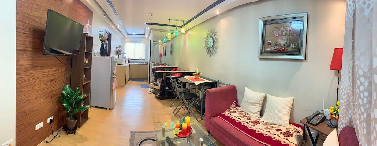 Bright/Comfy Place @Bali Oasis 2 near LRT & Malls