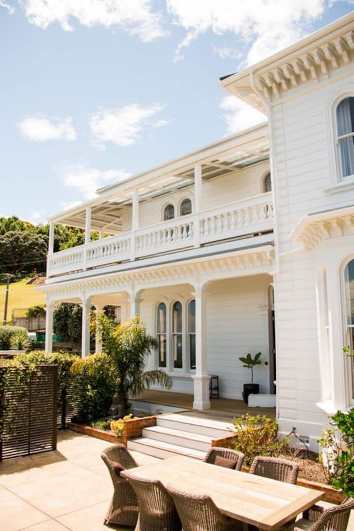 Villa Lulu - The Tropical Suite