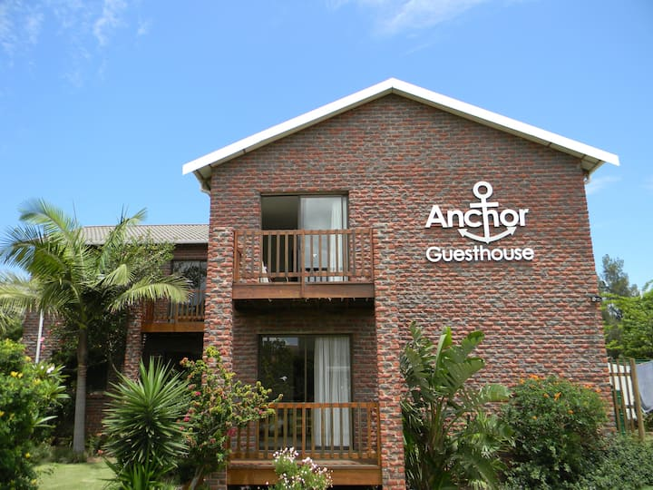 Anchor Guest House JBay - Relaxing Family Holiday