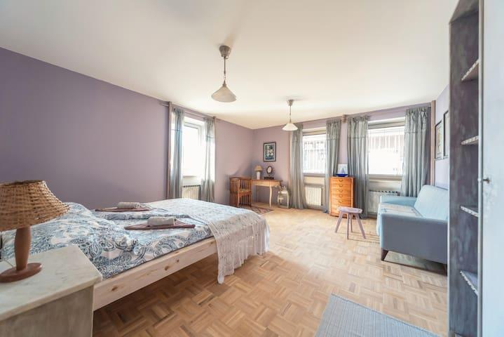 Vintage design Lavender room @ free parking