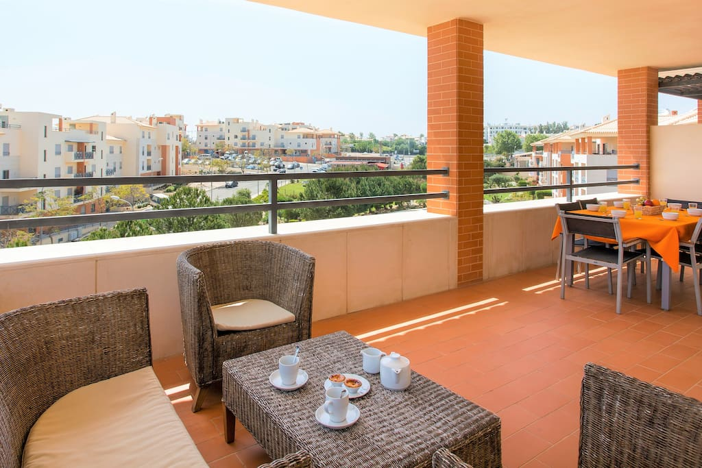 PC-38-3D balcony, ideal for outdoor dining