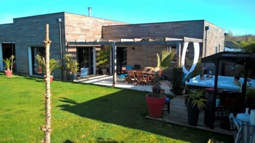Maison contemporaine en Bois - Saintes - Villa