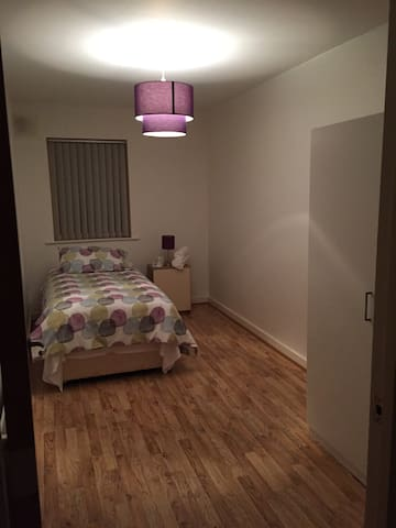 Dublin CityWest Saggart Rathcoole - single room - Saggart - Apartment