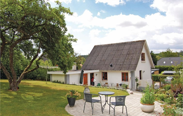 Holiday cottage with 2 bedrooms on 90 m² in Bryrup