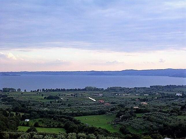 Bolsena Lake - OLIVETO is spacious & full of light