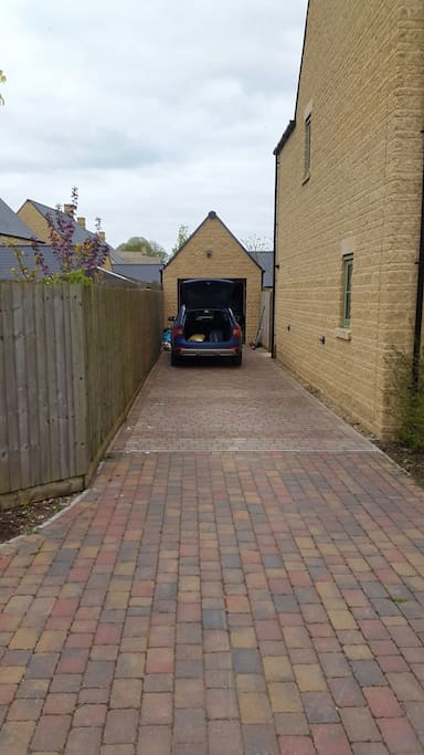 Driveway with private parking