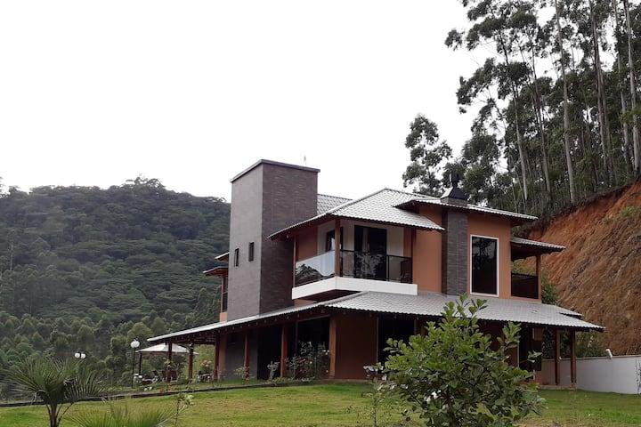 Casa de campo em Penha. Próximo ao Beto Carrero.