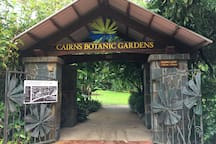 Botanic Gardens 800m from resort