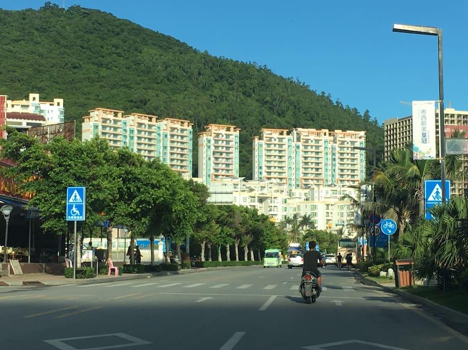 小岛风情的美丽街景