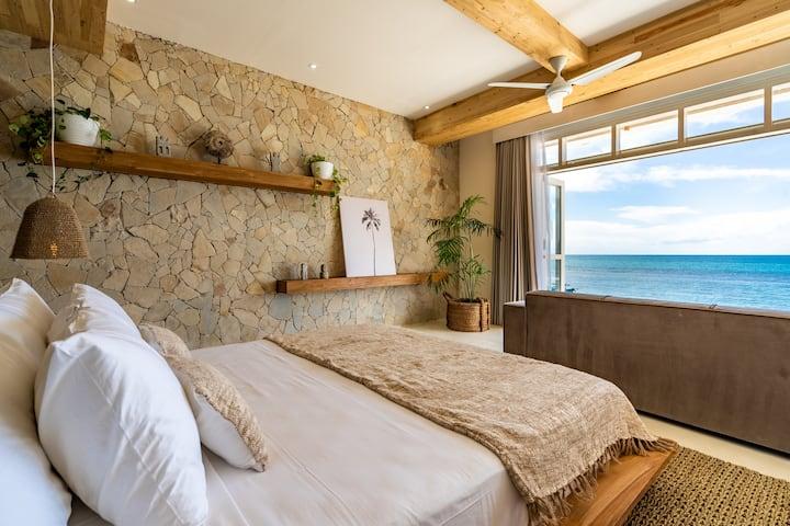 Suite 2 - Beachfront Luxury Suite on Bingin Beach