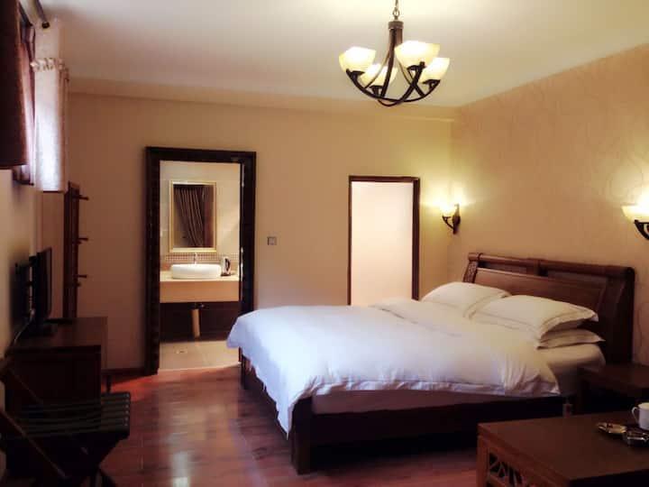 香格里拉古城舒适大床房(免费接机)