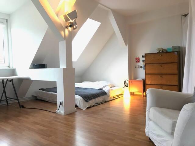 Sunny 2-Room Maisonette Apartment