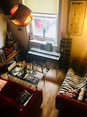 Cosy mezzanine, in the heart of Dalston, Hackney.