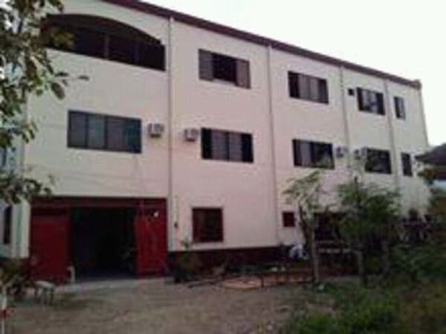 Affordable rooms for rent NEAR AIRPORT and MALLS - Mandaue City - Apartment