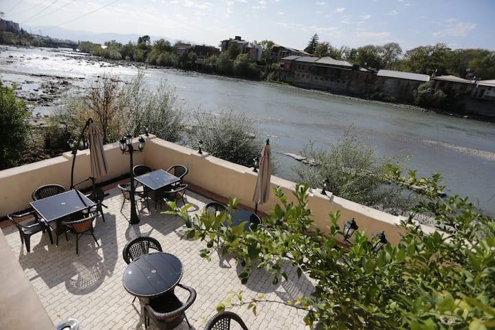 sanapiro hotel (riverside)