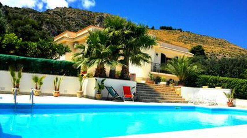 Bellissima Confortevole Villa con piscina privata