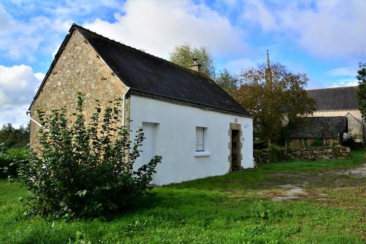 Petite maison à la campagne (vallée du Blavet) 2p.