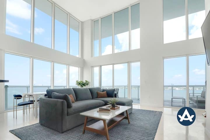 Sextant | 2-Story Waterfront Penthouse #13 | Heated Pool | 10 mins to Beach