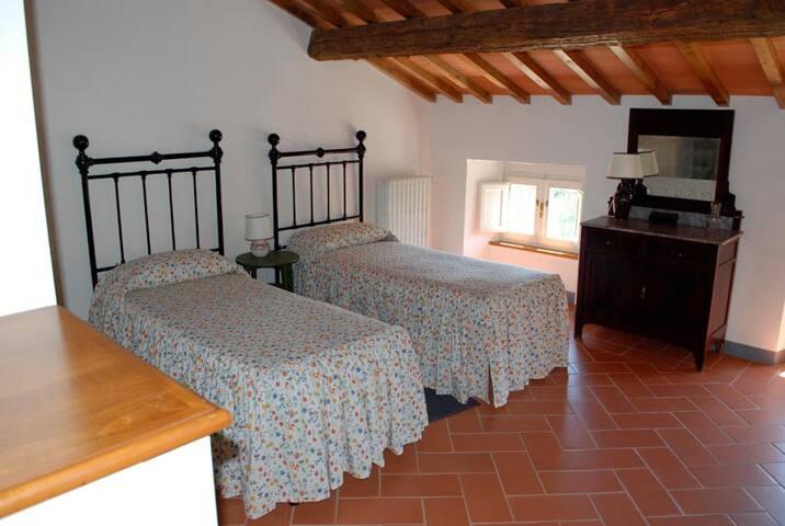 Camera doppia al secondo piano (Poiana)