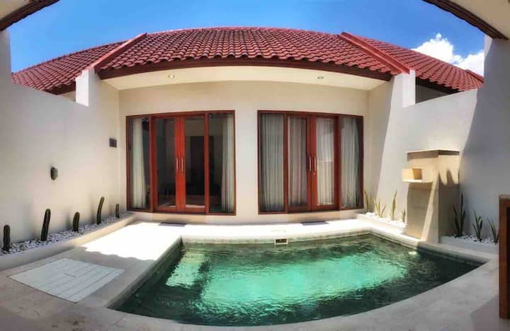 Modern Chic Villa with Private Pool Near Canggu