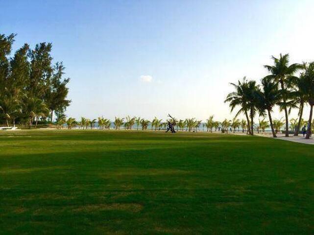 酒店边就是全国排名前三的鉴湖高尔夫 世界顶尖赛事举办地