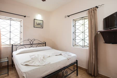 Blue ocean beachside Suite @ Baga Beach - Calangute - Apartment-Hotel