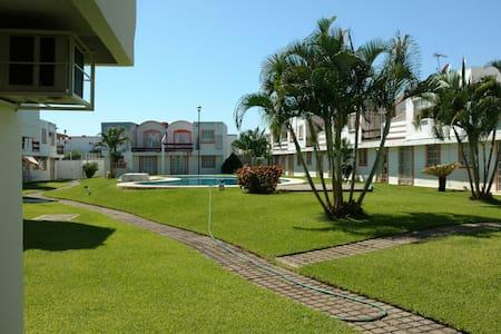 Casa 3 rec en condominio,  alberca. - 阿卡普爾科 - 獨棟