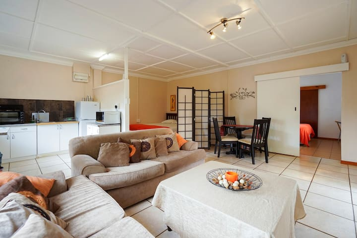 Self Catering Cottage - Family Unit - Waterfall  - Bed & Breakfast