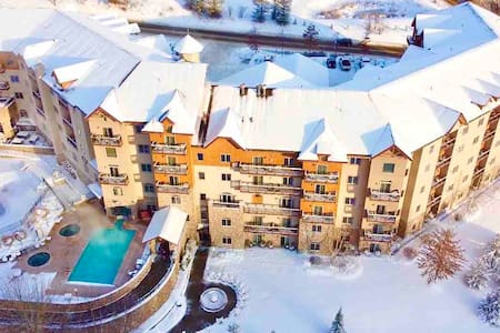 Ski in & Ski out; Sleeps FOUR @ 4 Star Resort