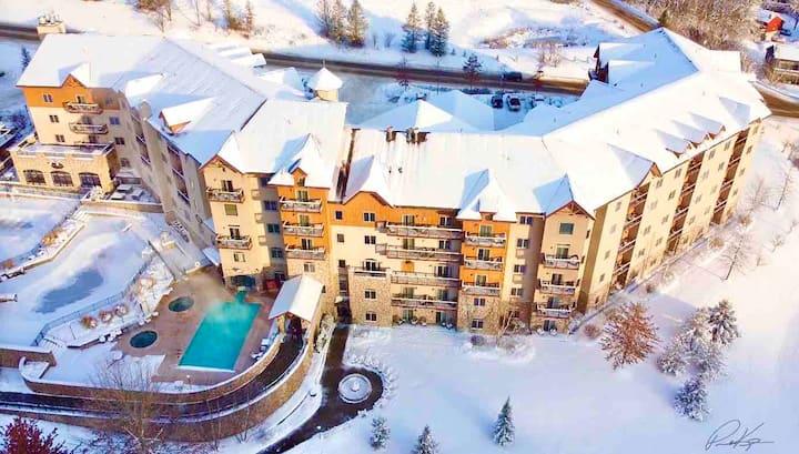 Ski in & Ski out; Sleeps FOUR @ 4 Star Resort