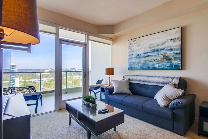 Lovely Downtown San Diego 2 Bedroom Apartment