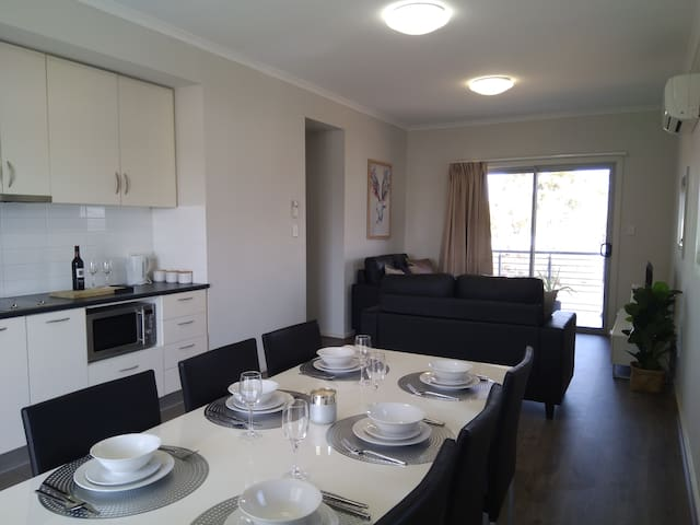 2 Bedroom stylish apartment close to town centre