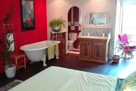 Magnifique chambre avec terrasse - Roquebrune-sur-Argens