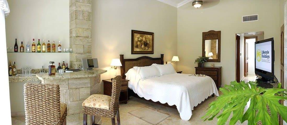 Luxury 3 Bedroom Villas in 5* All-Incl. Resort-VIP