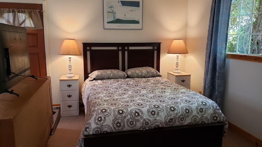 Queen-sized bed with Tuft & Needle mattress, full-sized closet