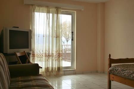 apartments  for rent in Perigiali, Korinthos
