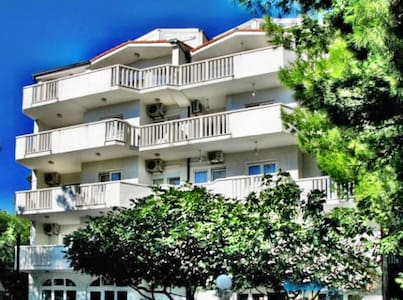 Spacious one bedroom apartment in Stanici - Stanici - Appartement