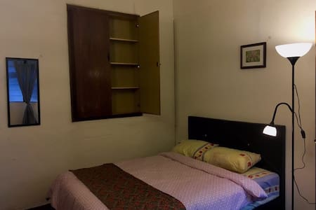 Double bed room for 2 @ Melakahouse - มะละกา