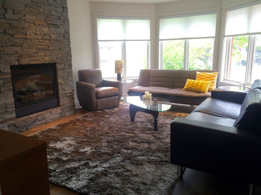 cozy up in the living room around the gas fireplace