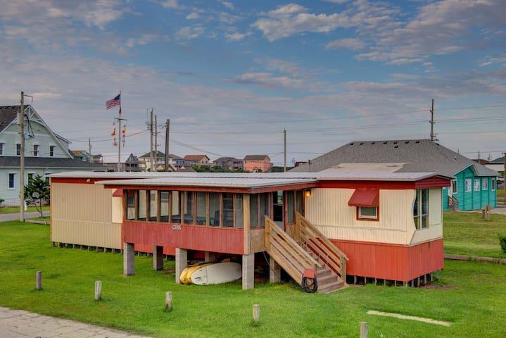 THE Lodge on Watson - Avon Pier, N.C.