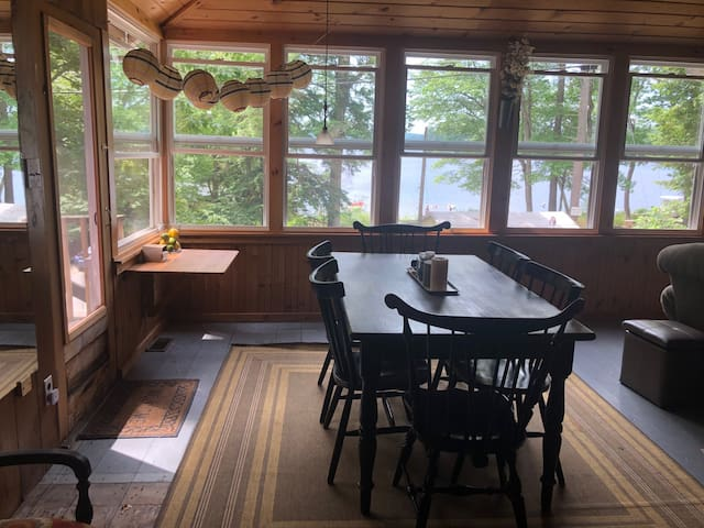 Beautiful Lakeside Cabin near Shaker Village!