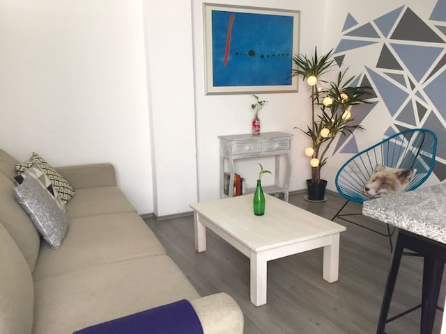 ⭐CONDESA Comfortable, Stylish Flat & Nice Location